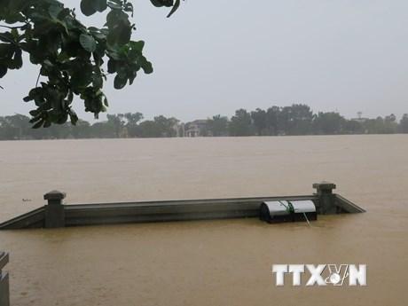 Hàng không ứng trực 24/24 giờ đối phó với mưa lớn tại miền Trung