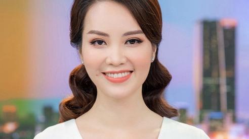 Á hậu Thụy Vân lên sóng bản tin 'Chuyển động 24h' đập tan tin đồn nghỉ việc ở VTV