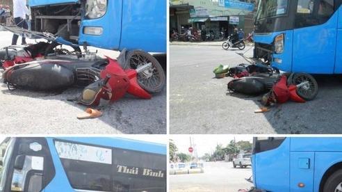 Xe khách lùa 4 xe máy đang chờ xe tang Đoàn KT-QP 337, 3 người bị thương