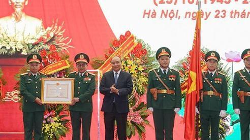 Thủ tướng Nguyễn Xuân Phúc dự lễ kỷ niệm 75 năm Ngày truyền thống Tổng cục II