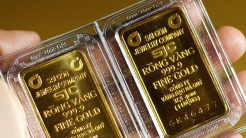 Giá vàng trong nước quay đầu giảm, vẫn 'đắt' hơn giá vàng thế giới 3 triệu đồng/lượng