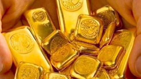 Giá vàng lao dốc trước sự mạnh lên của đồng USD