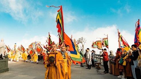 Những khoảnh khắc linh thiêng trong lễ cầu an trên đỉnh Fansipan