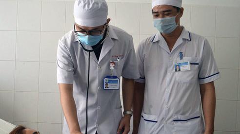 Hạt hồng xiêm nằm trong phế quản nữ bệnh nhân suốt 27 năm