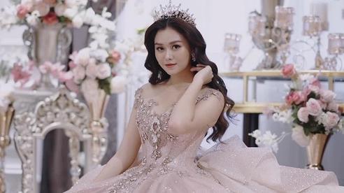 Á hậu Tường San kết hôn với bạn trai hơn 9 tuổi
