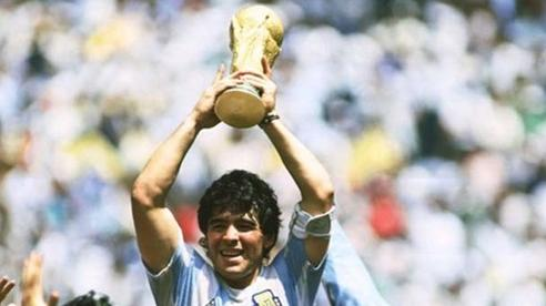 Đội bóng nào đã treo vĩnh viễn chiếc áo số 10 để vinh danh Maradona?