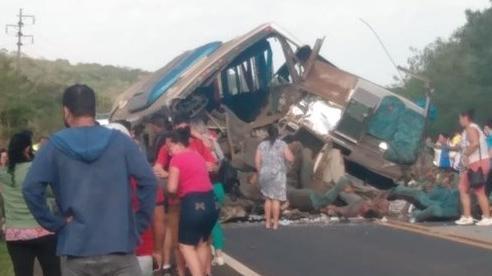 Brazil: Xe buýt đâm xe tải,37 người thiệt mạng