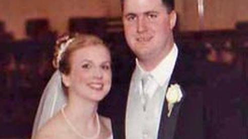 Chuyến đi hưởng tuần trăng mật định mệnh của cô dâu mới cưới 11 ngày và bức ảnh tố cáo tội ác của người bạn đời đến nay vẫn gây tranh cãi