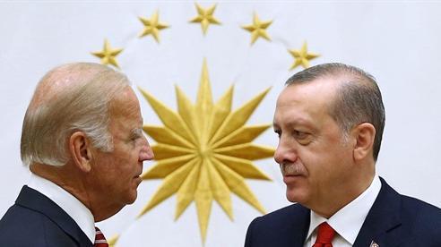 Ankara xoay chuyển quan hệ với NATO?