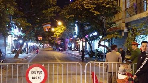 Vụ phát hiện bom phá 340kg ở Hà Nội: Yêu cầu người dân trong bán kính 200m không dùng điện thoại và di dời trong đêm