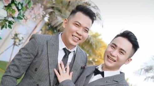 Đám cưới đồng tính của hai anh chàng đẹp trai khiến hội chị em ghen tị: 'Trai đẹp thuộc về nhau hết rồi'