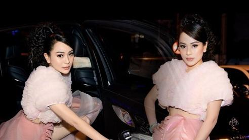 Con gái nuôi Hoài Linh mặc quần chẽn voan mỏng manh khoe chân thon bên siêu xe 17 tỷ