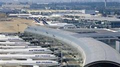 46 công dân Việt Nam đang kẹt tại sân bay Pháp