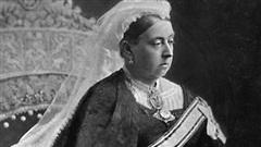 Câu chuyện ly kỳ về Boy Jones, gã trai thầm thương trộm nhớ Nữ hoàng Victoria