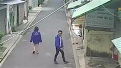 Đang nắm tay bạn gái đi dạo, thanh niên bỗng nổi hứng 'chôm chỉa' nhưng thứ anh ta lấy đi mới thực sự gây khó hiểu