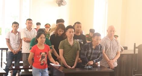 13 bị cáo trong vụ án đánh bạc bị đưa ra xét xử