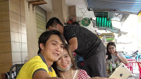 Tuấn Anh, Văn Toàn đến mừng cựu thủ môn Kiều Trinh làm bà chủ