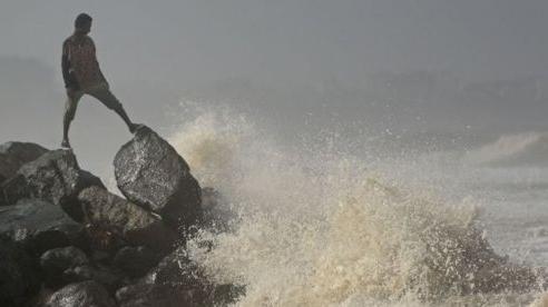 Ấn Độ sơ tán 100.000 người, chuẩn bị ứng phó bãoNisarga