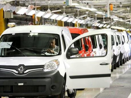 Chính phủ Pháp thông qua khoản vay 5 tỷ euro cho hãng ôtô Renault