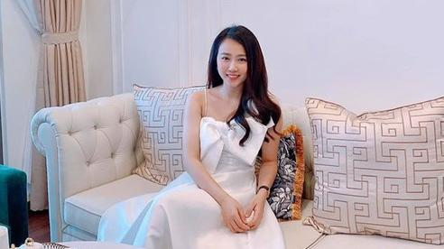 Huỳnh Hồng Loan khoe nhà được mua trước tuổi 30 với giá hơn 5 tỷ đồng