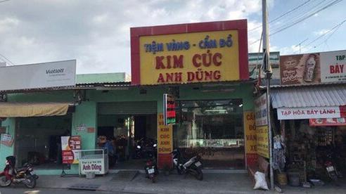 Nghi can dỡ mái tôn, đu dây đột nhập tiệm vàng rồi trộm số vàng lớn tại TP.HCM bị bắt ở Hà Nội