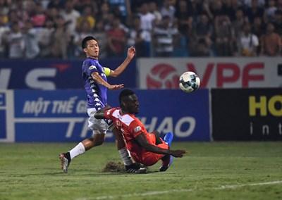 Hà Nội FC 'đè bẹp' Hoàng Anh Gia Lai 3-0