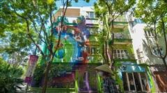 Căn nhà 300m2 trang trí cổ động phòng chống Covid-19 độc nhất Hà Nội