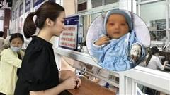 Đỗ Mỹ Linh đến bệnh viện hỗ trợ chi phí, tiết lộ thêm tình trạng xót xa của bé sơ sinh bị bỏ rơi ở hố gas giữa trời 40 độ