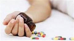 Ép vợ cùng uống thuốc ngủ để tự tử do ghen tuông