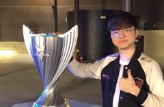 Chuyên gia LCK nhận định trước giờ G - 'Top, Mid của Damwon mạnh nhưng T1 và Faker vẫn vô địch thôi'