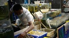 TQ tìm thấy dấu vết COVID-19 nằm 'la liệt' ở các quầy thịt và hải sản tại chợ Bắc Kinh