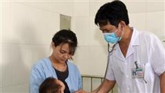 Nắng nóng đỉnh điểm, người già và trẻ nhỏ nhập viện tăng