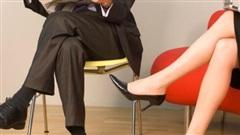 Kiểu ngồi tưởng duyên dáng nhưng gây nguy cơ nhiều bệnh