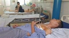 Nam sinh mới ra trường kể giây phút tông xe vào kẻ cướp tiệm vàng, bị hắn đâm trọng thương