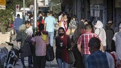 Iran bắt buộc đeo khẩu trang để ngăn chặn dịch bệnh