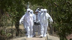COVID-19 tới 6 giờ sáng 29/6: Thế giới trên 500.000 ca tử vong; nhiều nước hoãn mở cửa