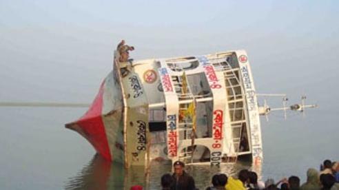 Chìm phà tại Bangladesh, ít nhất 23 người thiệt mạng, hàng chục người mất tích