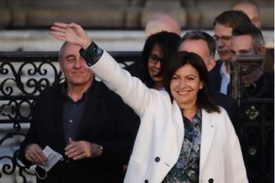 Đảng Xanh chiếm ưu thế, thị trưởng Paris tái đắc cử