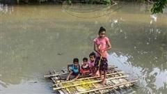 'Thảm họa kép' dịch bệnh và lũ lụt tấn công một bang của Ấn Độ