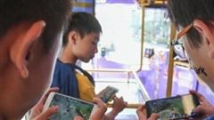 Giới trẻ Trung Quốc tìm cách 'lách luật' để được chơi game thoải mái
