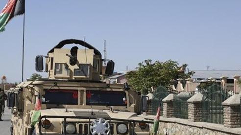 Tấn công bằng súng cối tại miền Nam Afghanistan, hàng chục người thương vong