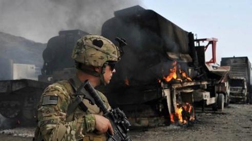 Tổng thống Trump bị truy tới cùng vụ Nga 'treo thưởng' Taliban sát hại lính Mỹ
