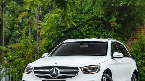 Áp lực từ phí trước bạ mới, Mercedes-Benz GLC 200 4MATIC chạy lướt giảm ngay 50 triệu đồng tại đại lý tư nhân
