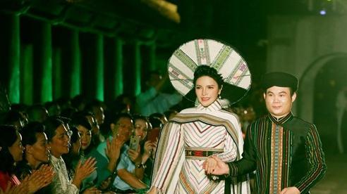 Á hậu Nga Queen tỏa sáng trong vai trò vedette giới thiệu 'Áo dài – Di sản văn hóa Việt Nam'