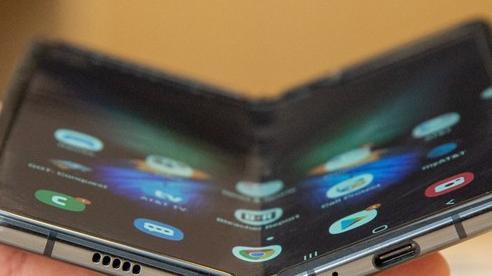 Samsung Galaxy Fold Lite - smartphone màn hình gập giá rẻ của Samsung sẽ ra mắt sớm hơn dự tính?