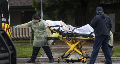 Dịch bùng lên kinh hoàng, bệnh viện Mỹ 'vỡ trận' vì COVID-19