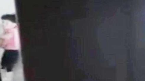 Công an TP.HCM tạm giữ cha dượng bạo hành dã man bé gái