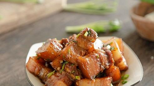 Gái vụng muốn kho thịt ngon thì nhất định phải học cách này vì dễ cực kì!