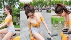 Loay hoay mãi mà không chỉnh được yên xe, cô gái xinh đẹp khiến cộng đồng mạng dậy sóng