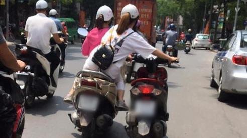 Pha dắt xe máy theo phong cách xe đạp của 2 nữ Ninja trên phố Hà Nội khiến nhiều người thót tim